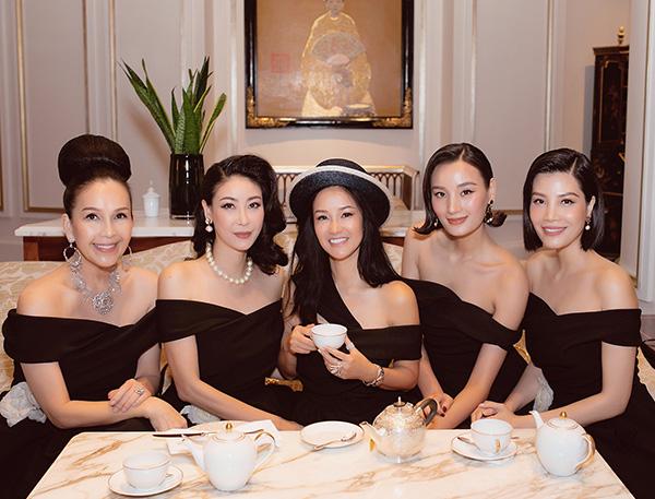 Diva Hồng Nhung xuất hiện rạng rỡ, thu hút sau thời gian cách ly vì dịch COVID-19