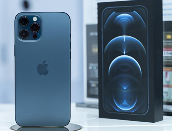 Giá iPhone 12 chính hãng mã VN/A đang ở mức thấp nhất vào những ngày giáp Tết