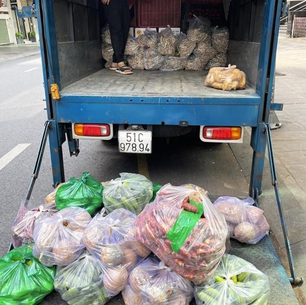 Chiến dịch bán rau củ quả đồng giá 'Thực phẩm chia sẻ' tại hệ thống Di Dộng Việt TpHCM