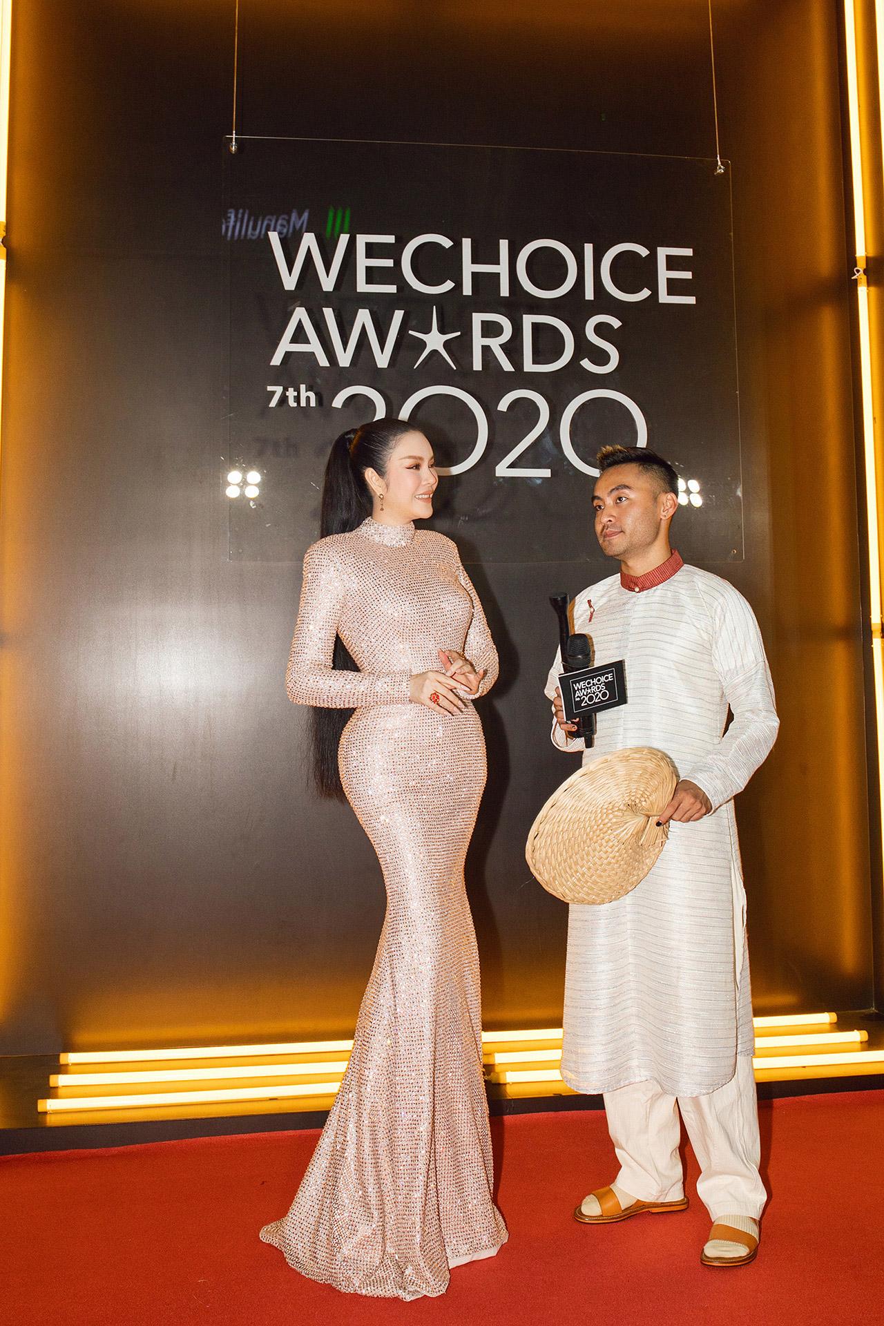 Lý Nhã Kỳ diện váy đính ngàn viên pha lê của NTK Đỗ Long tham dự We Choice Awards 2021