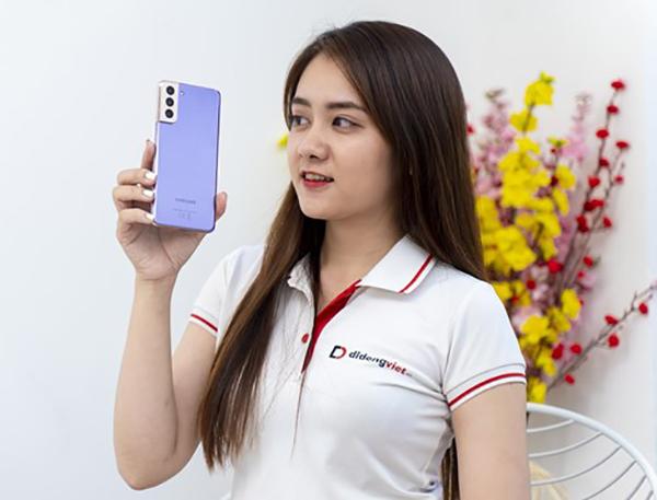 Loạt smartphone Samsung giảm giá sau Tết