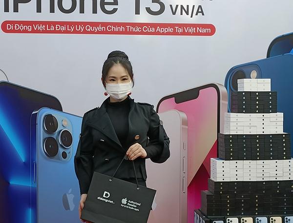 Di Động Việt mở bán iPhone 13 bằng màn mở hộp bá đạo