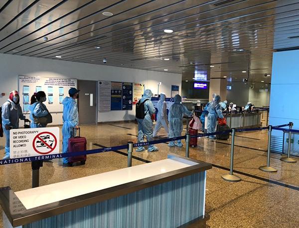 Nhà ga quốc tế Cam Ranh do 'Vua hàng hiệu' Johnathan Hạnh Nguyễn làm chủ tịch được chứng nhận sân bay an toàn y tế