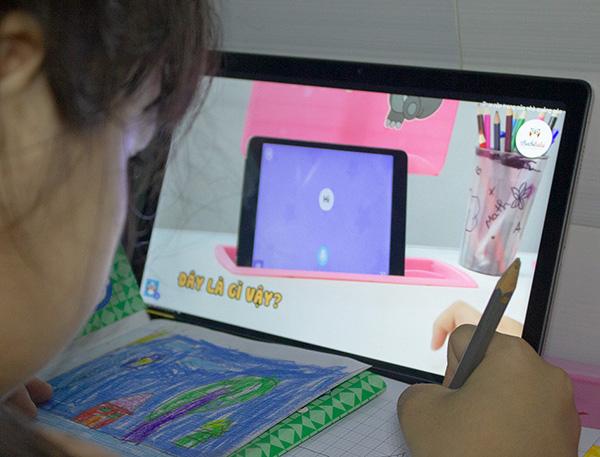 Samsung Galaxy Tab A7 (2020) cùng bé vừa học vừa chơi