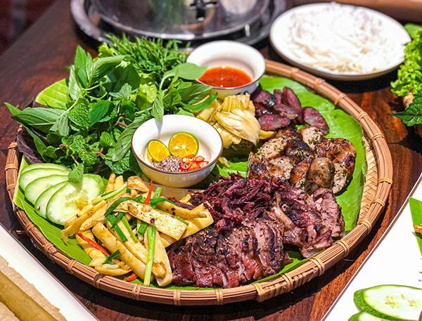 Vương Thu Phương mang những món ăn và sản vật núi rừng Tây Bắc đến nhà hàng Ban